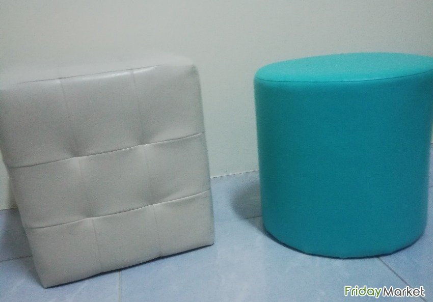 2Cube Stools And 3 Round Stools For Sale Isa Bahrain