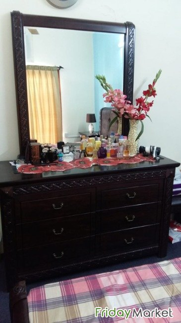 Dressing Table In Very Good Condition Manama Bahrain